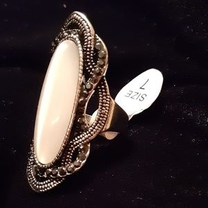 Women's Large Oval Antique Silver Ring